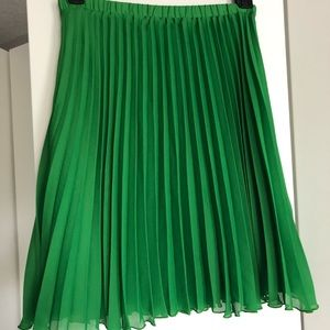 ELLE Green plissé skirt sz M